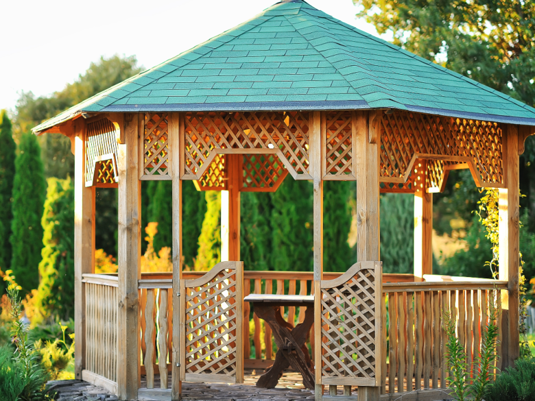 Painting Pergolas and Gazebos: How NOT to Botch It!